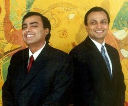 Anil (sağ) ve Mukesh Ambani (Petrol baronu finans yatırımcısı)