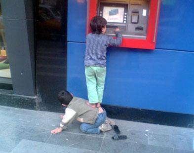 Bankamatik çocuklar