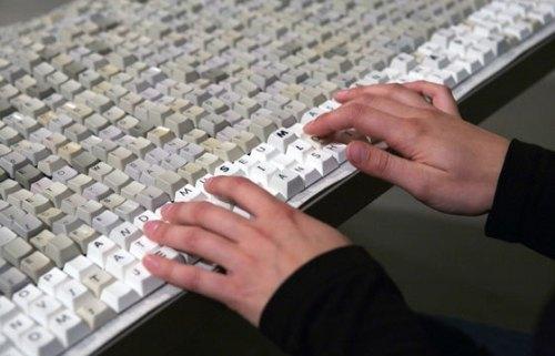 dunyanin en buyuk klavyesi