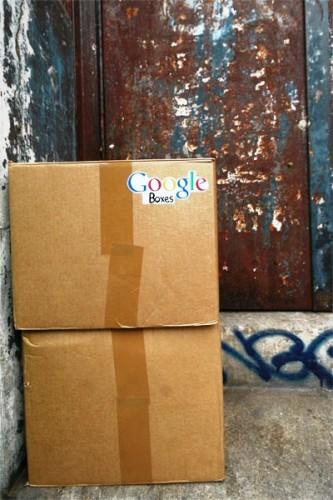 Google kutular. Paris, Fransa.