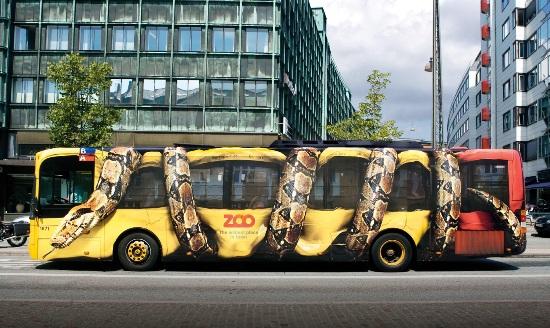 Yılan otobüs