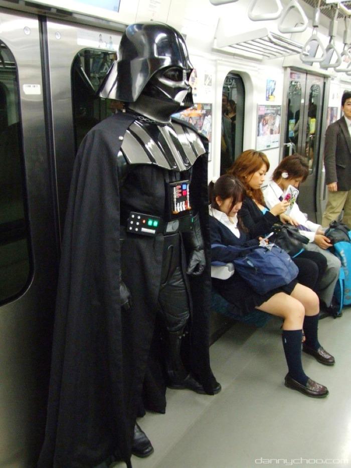 Japon metrosunda Darth Vader